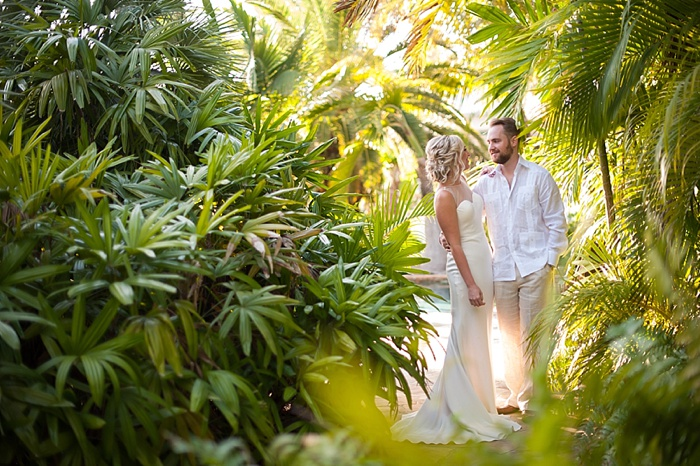 Couple takes newlywed photos by Florida Foliage native to the Florida Keys